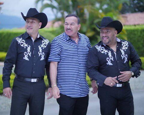 """Charrito Negro lanza nueva versión de """"Pero te vas a arrepentir"""" junto a Banda La MB"""